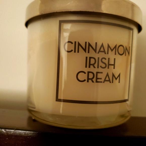 Bath & Body Works Cinnamon Irish Creme Tester Cand